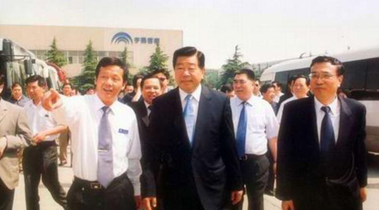 全国政协主席贾庆林视察宇通