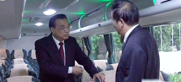 """李克强称赞宇通为""""走出去""""树典范"""