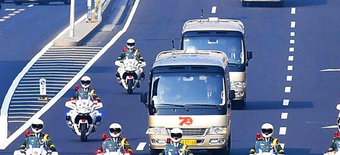 T7领衔、超2000辆宇通客车服务新中国70周年大阅兵及授勋仪式,彰显民族品牌形象。
