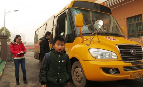 从武汉格鲁伯实验学校校车使用看校车未来发展————武汉校车采购市场状况调研记