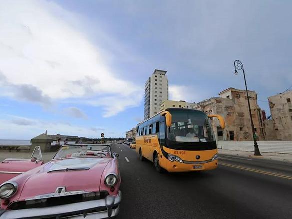 人民日报大篇幅报道宇通客车:中国客车助力古巴交通优化升级