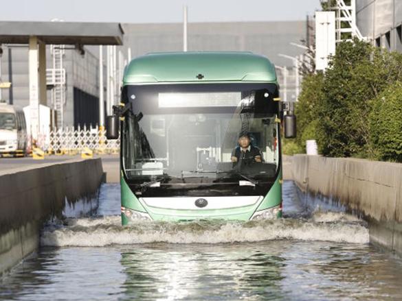宇通科技 | 新能源公交凭什么能在水中安全行驶?