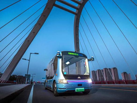 小宇2.0开进黄河生态廊道,自动驾驶再添落地新案例!