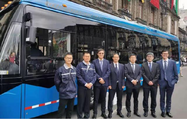 63台宇通双源无轨电车驶入墨西哥