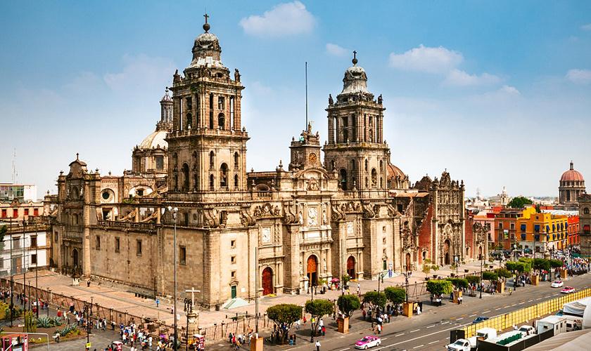 远赴大洋彼岸,63台宇通双源无轨电车驶入墨西哥!