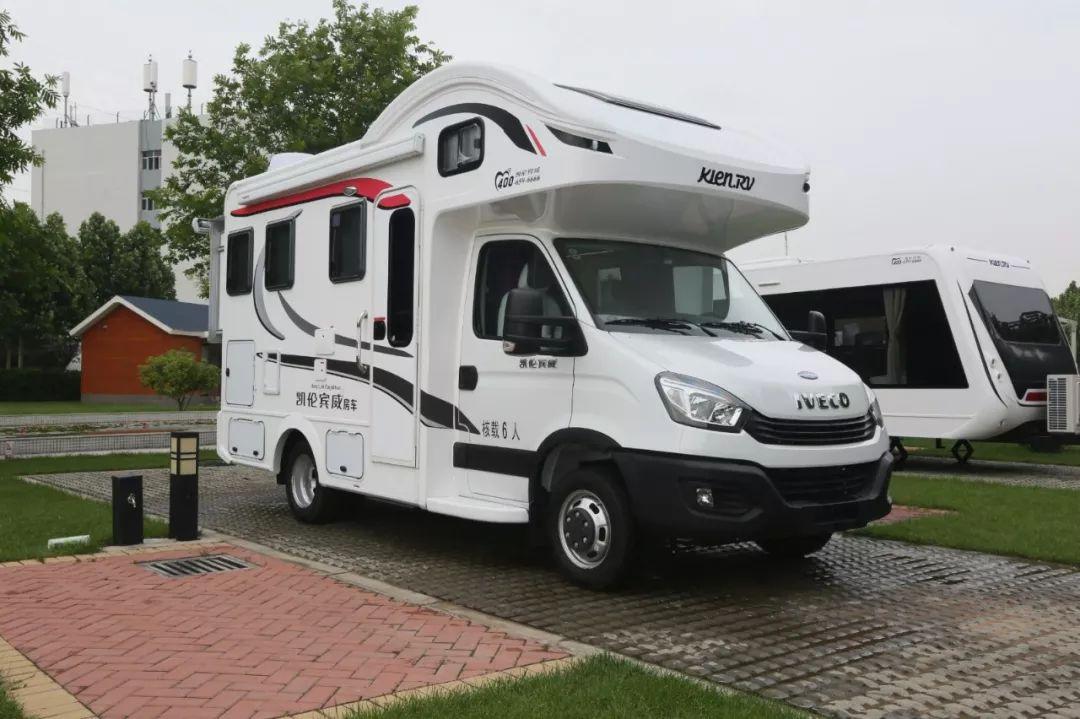 ZK5043XLJ7(国产依维柯双拓房车) ZK5043XLJ7国产依维柯双拓展房车,给您舒适的房车生活!