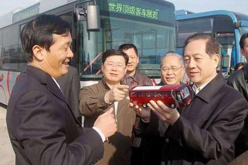 全国人大副委员长韩启德调研宇通