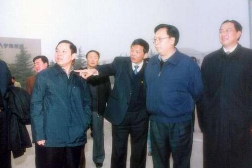 徐光春:宇通要尽快占领国际市场