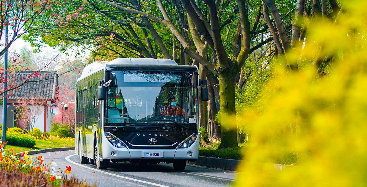 宇通E系列新造型公交走进美丽巴蜀
