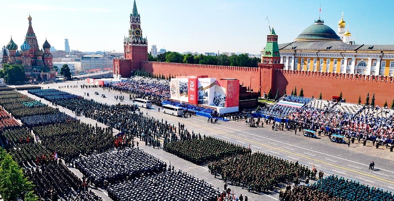 宇通客车服务俄罗斯卫国战争胜利75周年阅兵