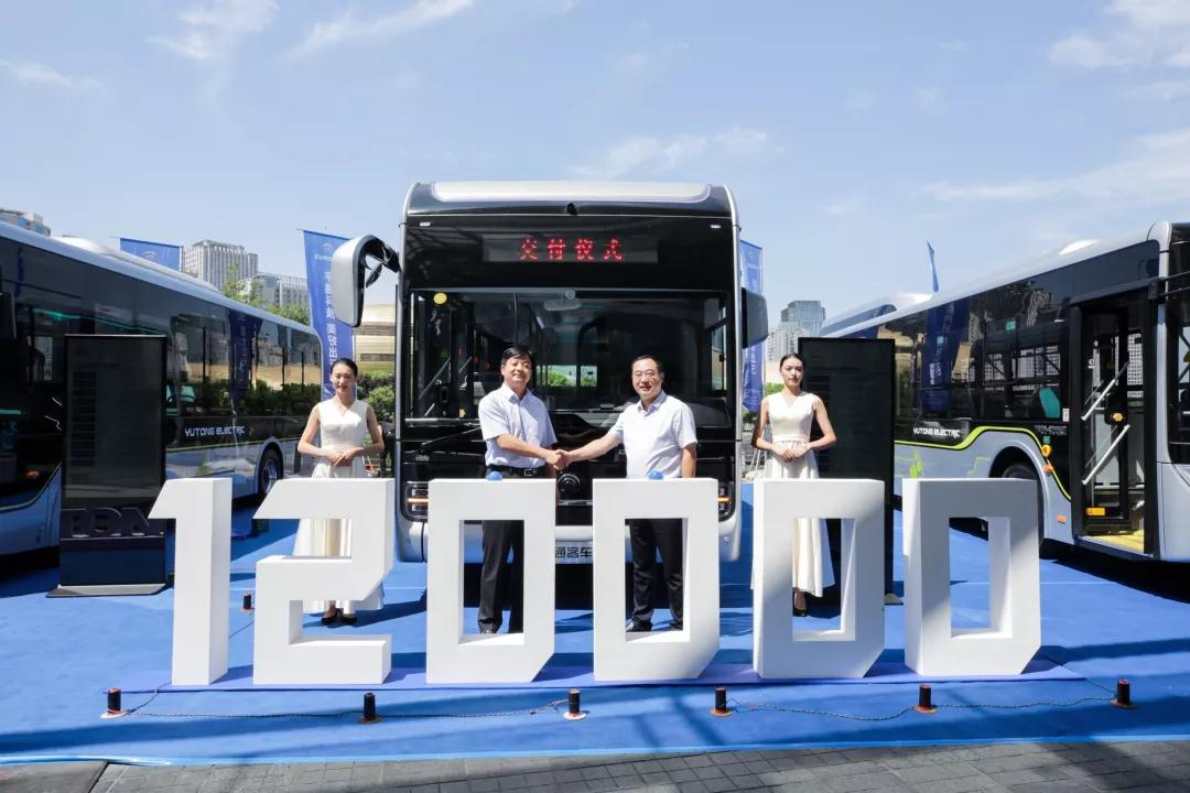 皇冠体育:献礼新中国成立70周年