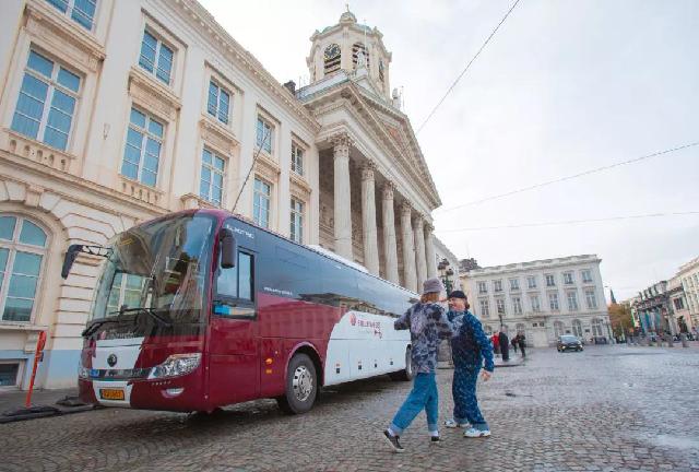 宇通中欧文化快闪巴士惊艳亮相比利时