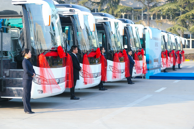 澳门银河app官方下载向金鼎客运交付101辆客车